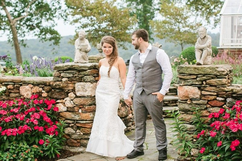 Look at this stunning bride and groom