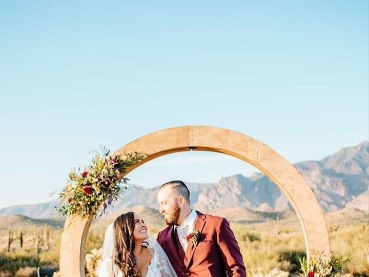Tmx Standing By An Arch 51 1102323 161398544674496 Los Angeles, CA wedding dress