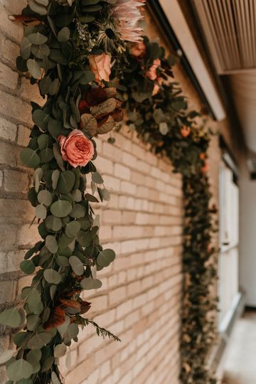 Floral design archway