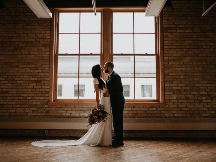 Tmx Hd Couple Good Lighting 51 1064323 1557361210 Minneapolis, MN wedding planner