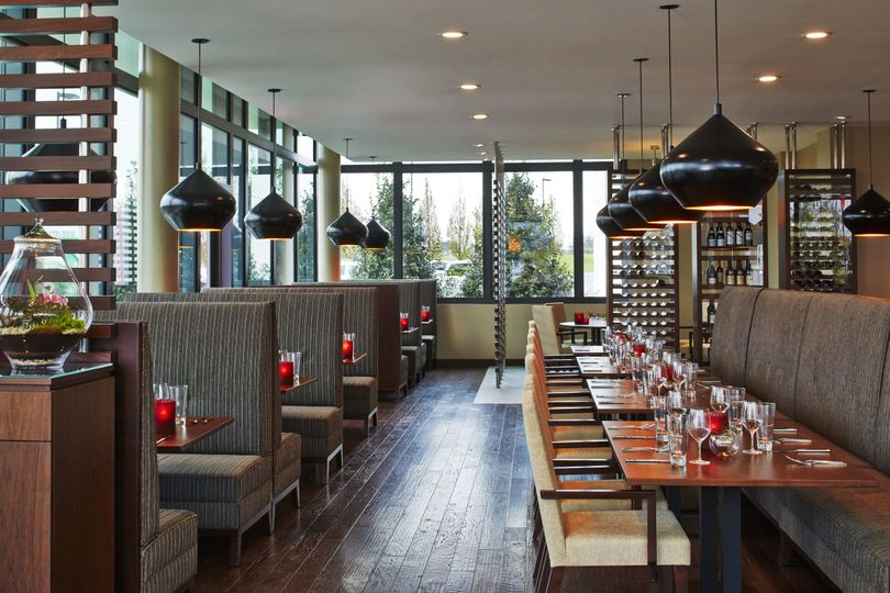 APRON Restaurant dining setup