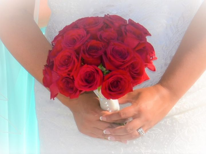 Tmx Krystal Bouq 51 1065323 1565834272 Port Richey, FL wedding florist