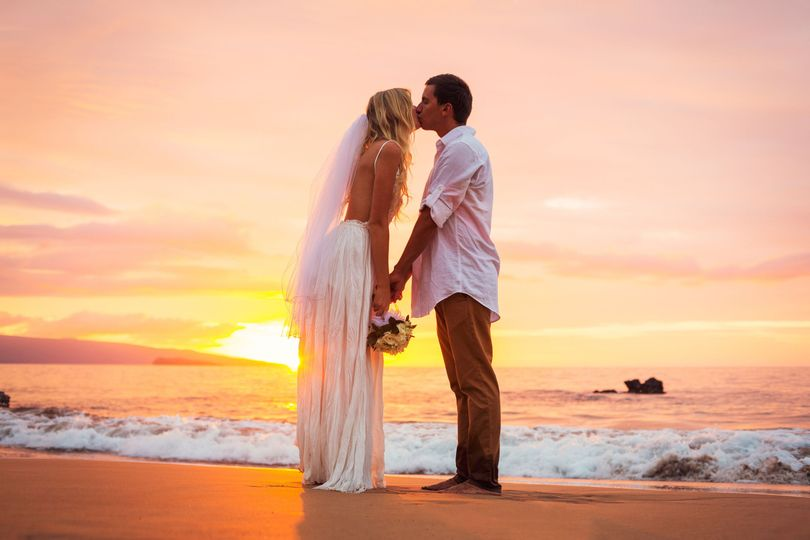 7f3798250f6b8b0d sunset couple