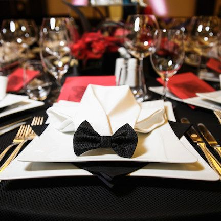 Table setting with bow ties