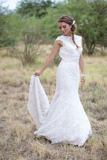 hustle your bustle wedding dress attire arizona phoenix and surrounding areas