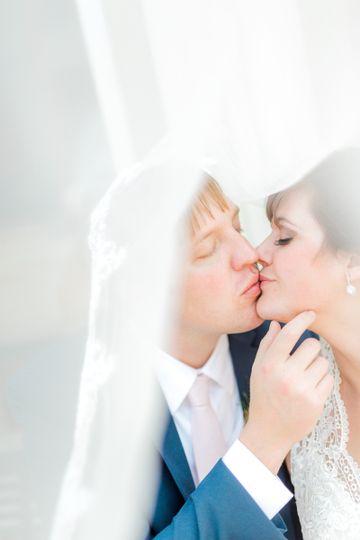 A kiss - Vivian N Photos