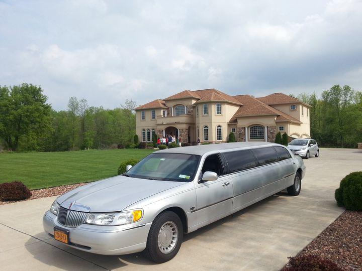 Tmx 1481732175314 1129637610152966532877144118310330o Spencerport wedding transportation