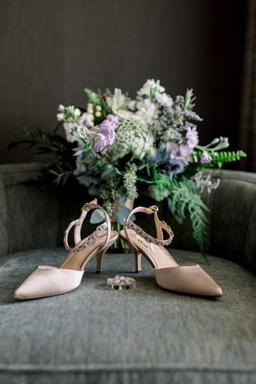 Bouquet and shoe details - Sarah Nelson Photography