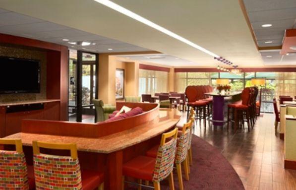 Hampton Inn York cocktail bar area