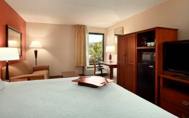 Hampton Inn York couple suite
