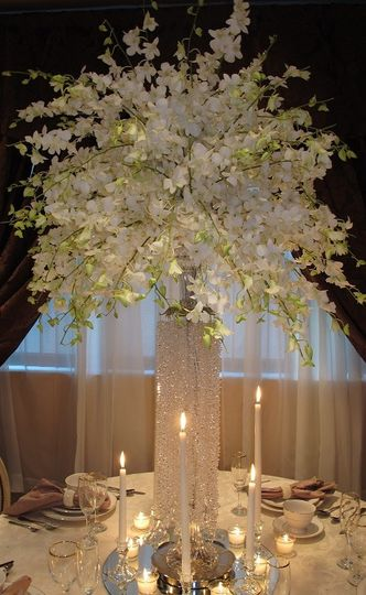 White booming centerpieces