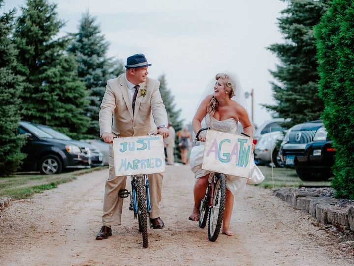 Tmx 1517888971 F3da425cdf56a102 1517888969 0650369eea83c8b8 1517888950843 4 TerraSura Weddings Minneapolis, MN wedding photography