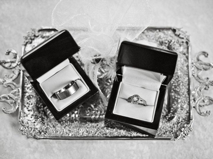Tmx 1517889032 47aed2262a758550 1517889030 21187d311a4477c4 1517888950867 37 TerraSura Wedding Minneapolis, MN wedding photography