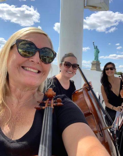 Cruise around NYC