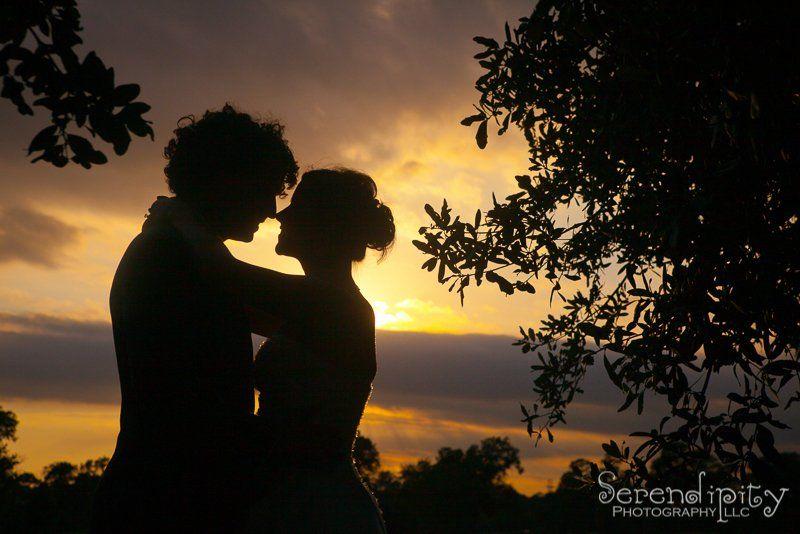 1064e95e7e9aef55 Raveneaux Country Club Wedding Houston 24