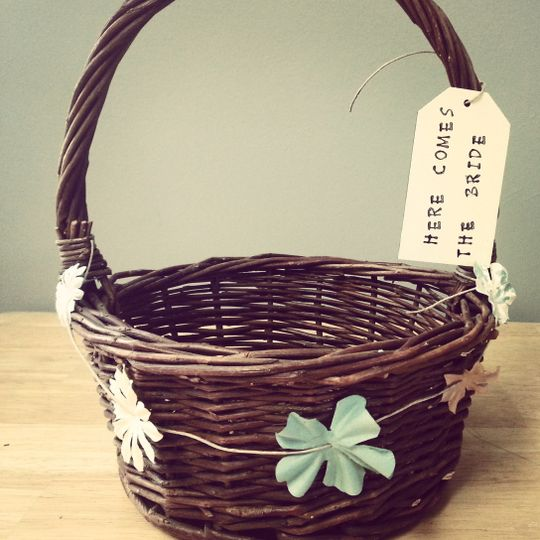 Flower Girl Basketwww.frecklesandwhiskers.etsy.com