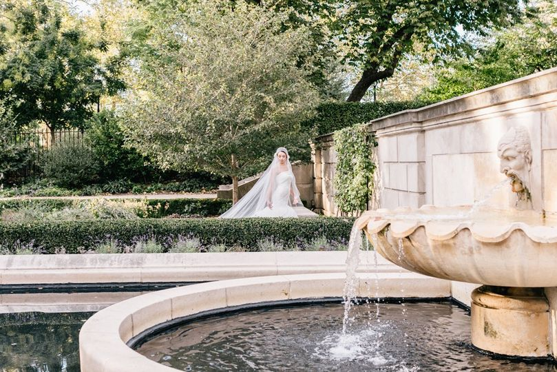 Wedding by a fountain