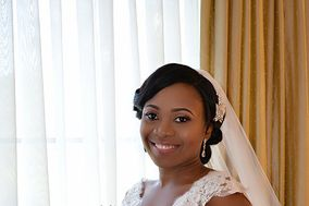DamolaMakeovers Makeup Artistry