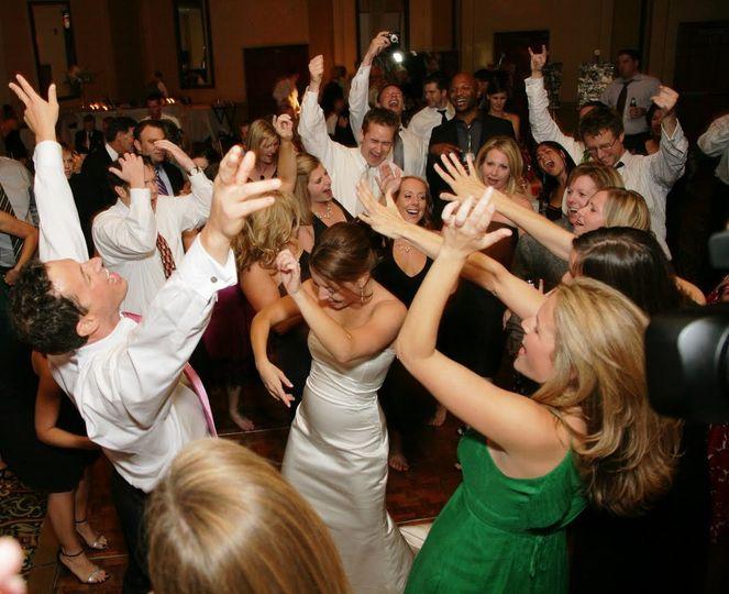 dancingatwedding