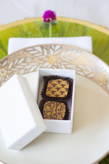 The perfect place setting - guest favor boxes!