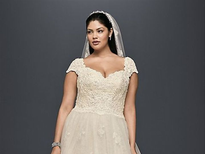 Tmx 1536960153 436867991e3f94f1 1536960152 022dedb02027fa54 1536960150563 2 8CWG768 IVYCHAMP O Lakeside, CA wedding dress