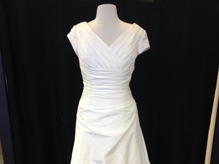 Tmx 1536960153 Aa20f37255a947c2 1536960152 6bd07b9b37e37734 1536960150602 6 Casablanca Ivory T Lakeside, CA wedding dress