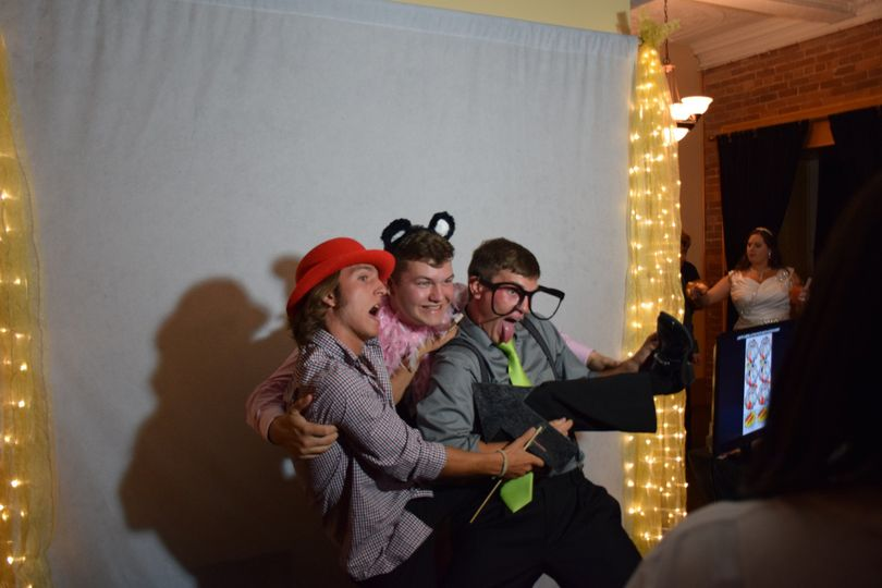 Everyone is having a SUPER great time in the photo booth!