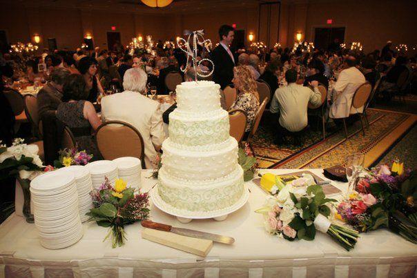 4-layered wedding cake