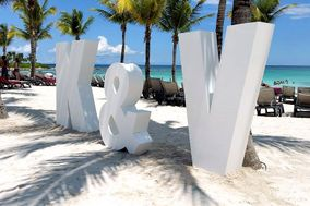 Giant Letters & Wedding Decor Riviera Maya Cancun
