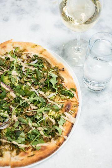 Green goddess vegan pizza