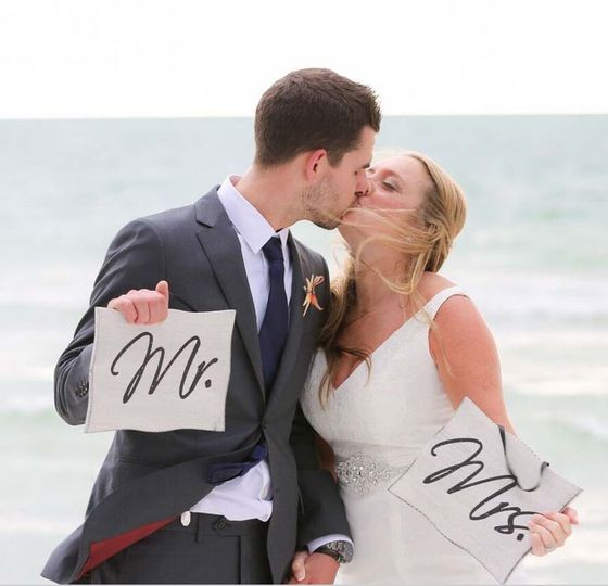 800x800 1440086555577 mr and mrs signs