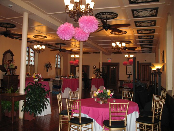 A great room for bridal showers !