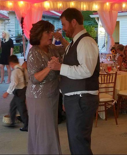 Comus inn groom and mom (red lights)