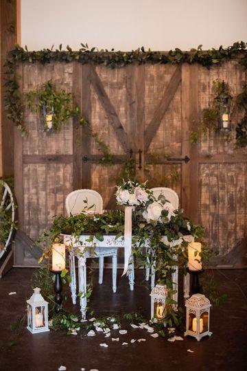 Woodland sweetheart table