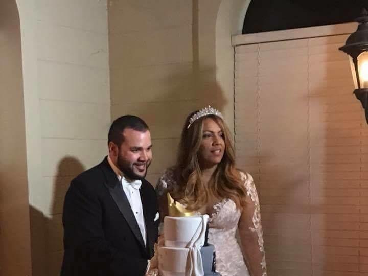 Tmx 1530892393 976c80e6064bb0b4 1530892392 77587d822d80fa52 1530892392371 5 Gines And Katie We Winter Haven wedding cake