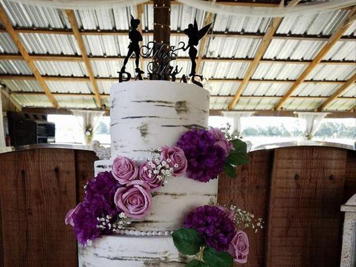 Tmx 1530892439 3d97b08a2ebac28d 1530892438 514b9a34912187c3 1530892438506 8 White Tree Wedding Winter Haven wedding cake