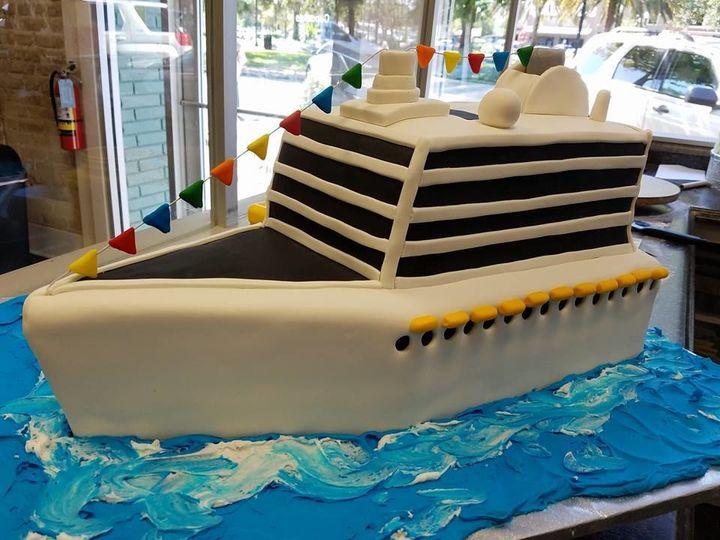Tmx 1531019388 D650f640afa65009 1531019387 4c42dda61d7e7a38 1531019389174 3 Cruise Ship Cake Winter Haven wedding cake