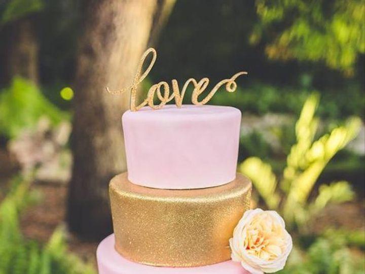 Tmx 1531019400 37b9834c08cf95a0 1531019399 C10dd2fc8c6cda86 1531019400653 4 Cake1 Winter Haven wedding cake