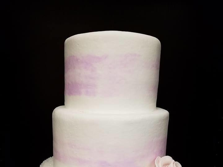 Tmx 1531019426 5f63ecddf3e4c762 1531019426 24fa3ebcbbec9e1c 1531019427201 5 Lavender Rufle Cak Winter Haven wedding cake