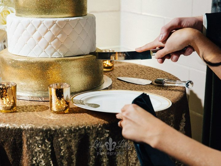 Tmx 1531019604 829dca9f14e17f48 1531019603 0be230edab4d9b9c 1531019604962 12 Skinner Wedding 2 Winter Haven wedding cake