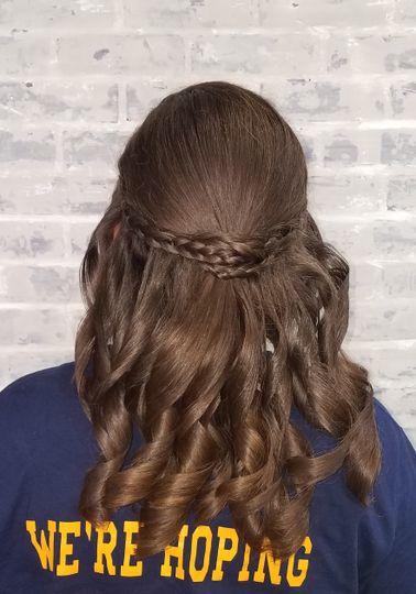 Brown braid/curly waves