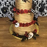 Gold halloween cake