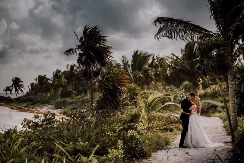 Modern Destination Weddings & Honeymoons