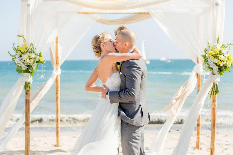 ian and meredith kiss final