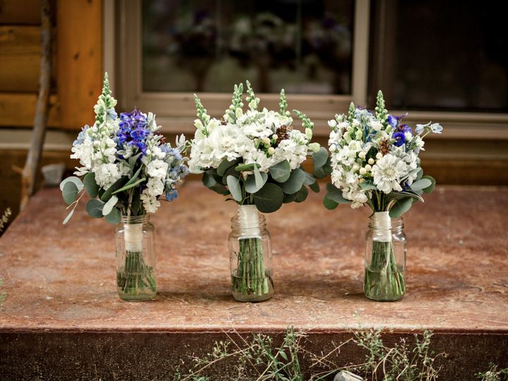 Tmx 1494948976900 Bergstrandwedding Bouquet Line Up Edwards, Colorado wedding planner