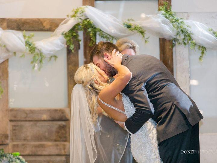 Tmx 1515709656 1aaad7a544880f03 1515709655 D95bc17dd83ed1a2 1515709952354 4  PondPhotography S Overland Park, KS wedding venue