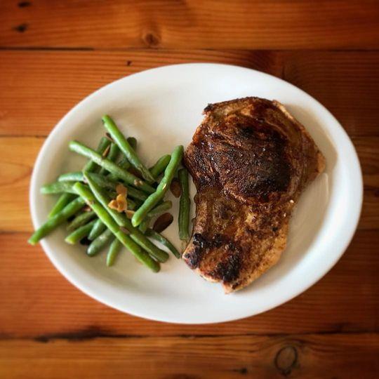 Iowa pork chop and green beans