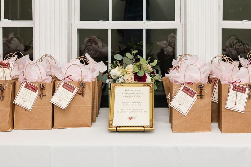 Wedding favors | Living Radiant Photography