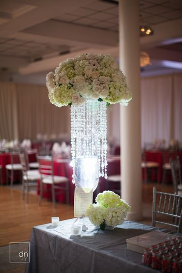 Tall table centerpiece