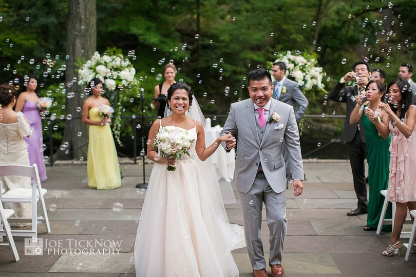 800x800 1393462180416 new york botanical garden wedding photo   a1